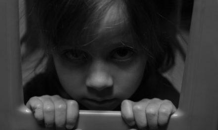 Непослушный ребенок. Надо ли лупить ребенка ремнем?